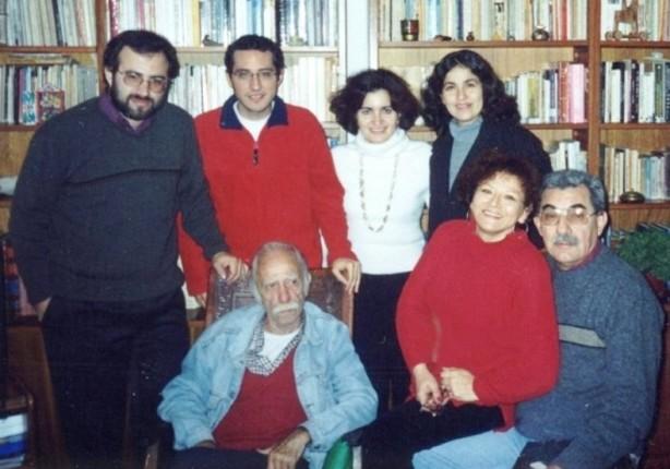 Con mi familia y amigos en casa