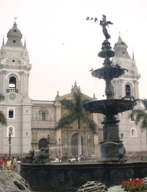 Catedral y Angel de la Fama