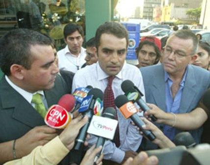 Periodistas Juan Carlos Gambini, Fernando Llanos y José Mariño