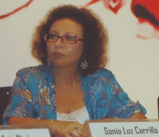 Recital en la Casa de la Literatura Peruana. Lima, 28 febrero, 2013.