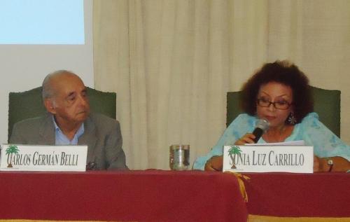 Carlos Germán Belli y  Sonia Luz Carrillo. IV Semana de la Literatura,  Academia Peruana de la Lengua. Lima 2013