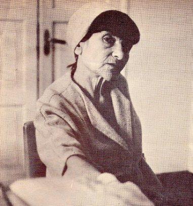 Georgette de Vallejo en la redacción de la revista Vistazo. Lima, junio de 1972. No registra el crédito del autor de la foto.