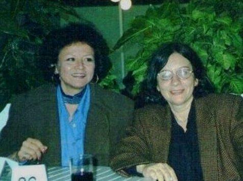 Carmen Ollé  y  Sonia Luz Carrillo Feria  del  Libro,   Lima, 3 de julio de 1998