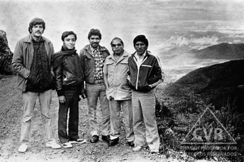 Horas antes de la tragedia: de izquierda a derecha De la Pinela, Mendívil, Retto, Sedano  y Amador García.