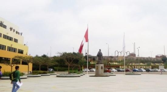 Plaza Fray Tomás de San Martín