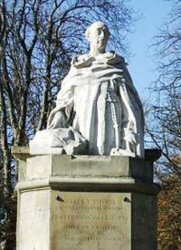 Francisco de Vitoria, dominico español, escritor y catedrático de Salamanca. Destacan sus contribuciones al derecho internacional y la economía moral.