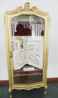 Libro en urna
